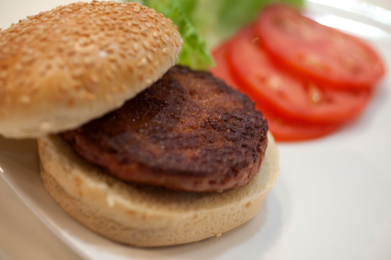 picture of the first cell cultured burger.